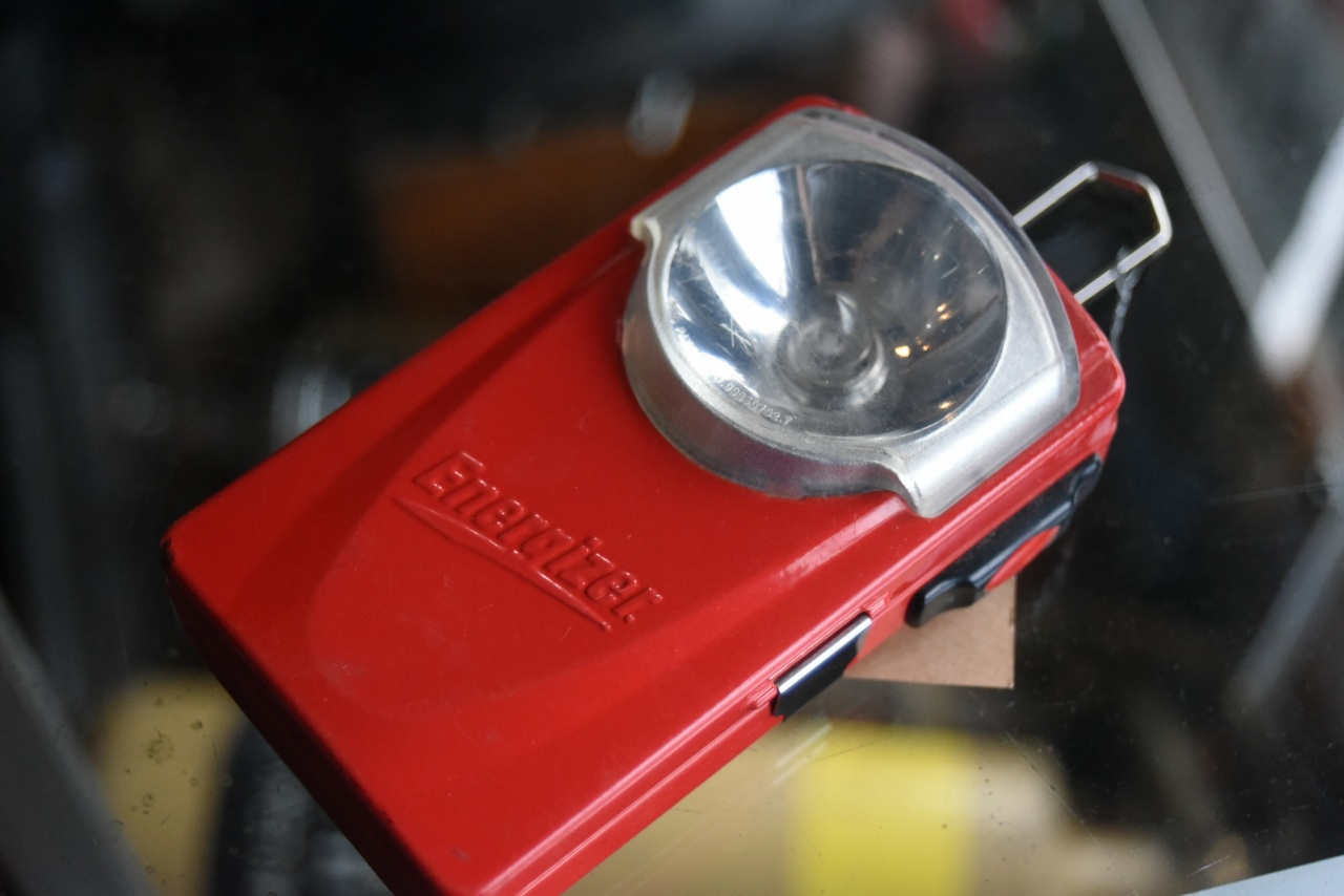 102081 UK ヴィンテージ ライト 縦型懐中電灯 Energizer