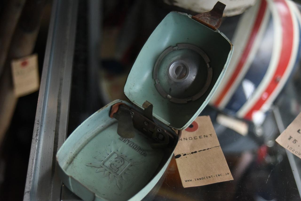 102080 UK ヴィンテージ ライト 縦型懐中電灯 MADE IN FRANCE
