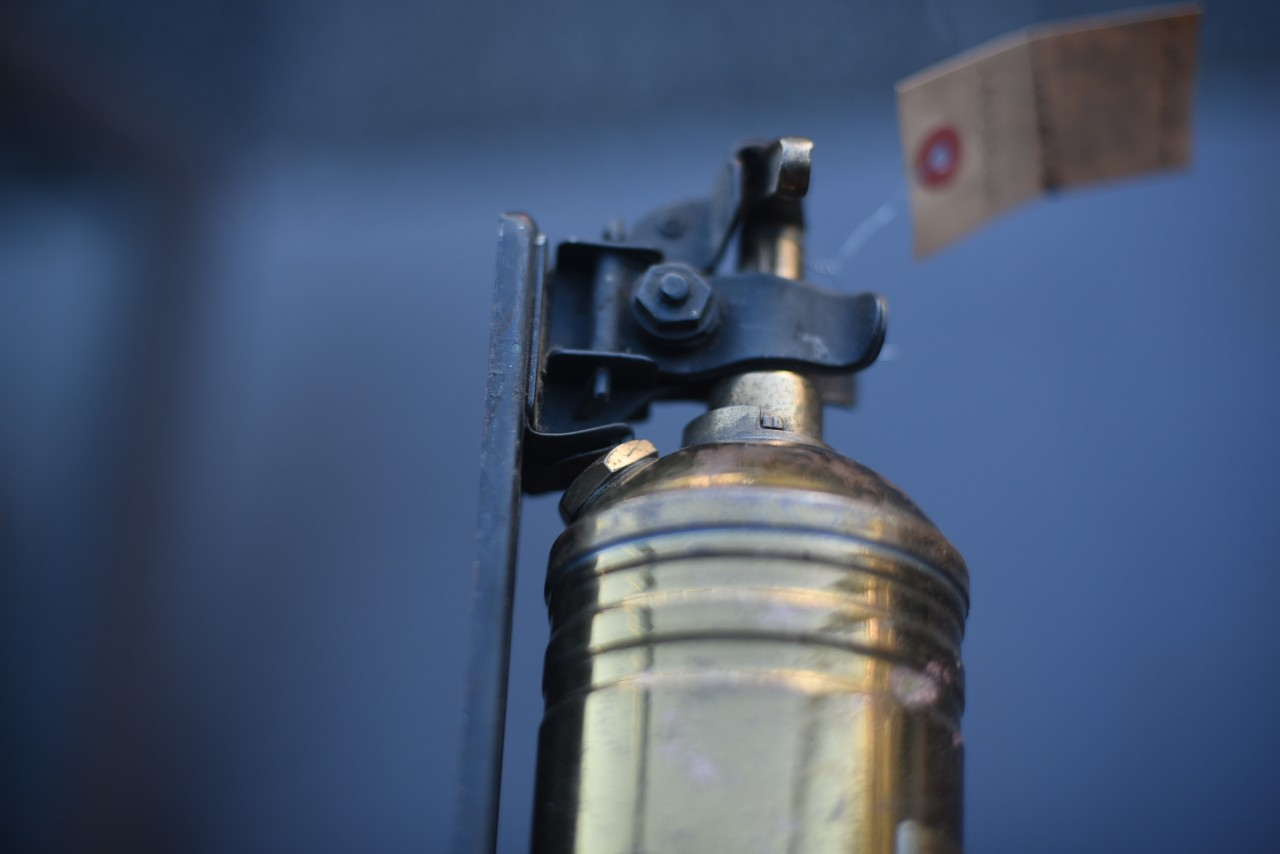 UK 取付金具付き消火器 FIRE EXTINGUISHER 真鍮 ブラス 英国 101103
