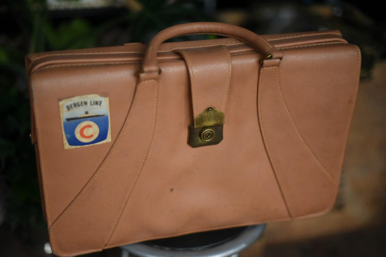 001221 ヴィンテージ バッグ ブリーフケース 革鞄 MADE IN ENGLAND
