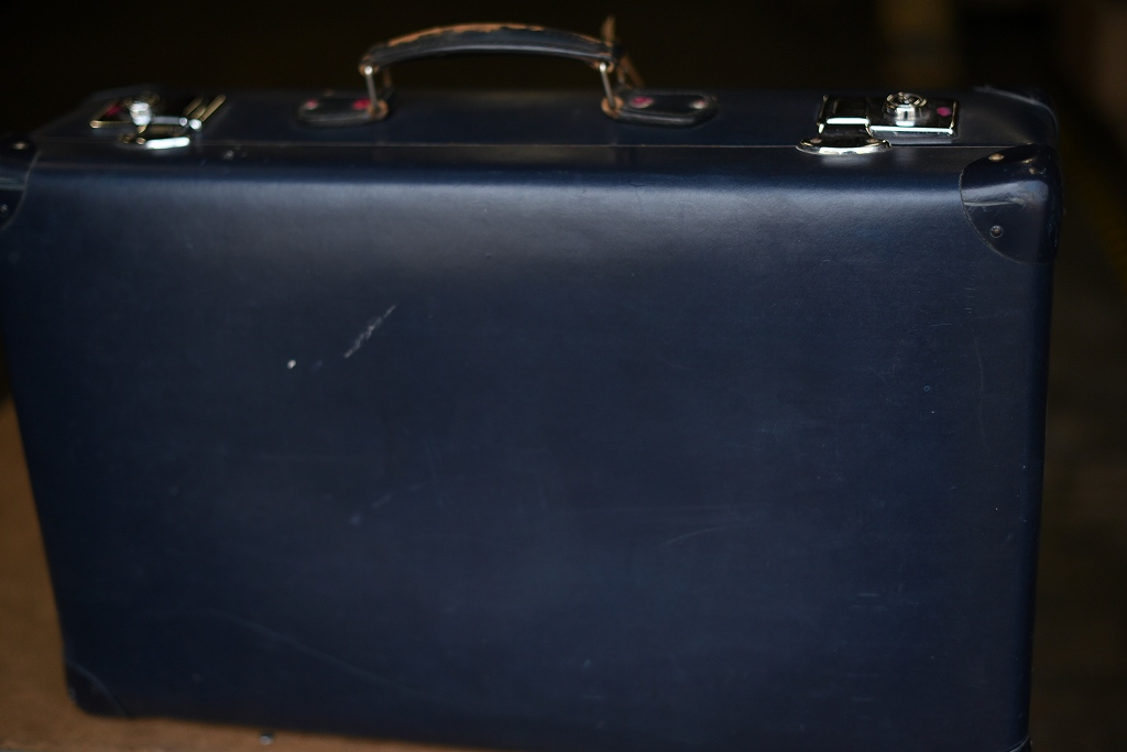 103432 UK ヴィンテージ 英国 グローブ トロッター 「GLOBE TROTTER」 MADE IN ENGLAND 刻印