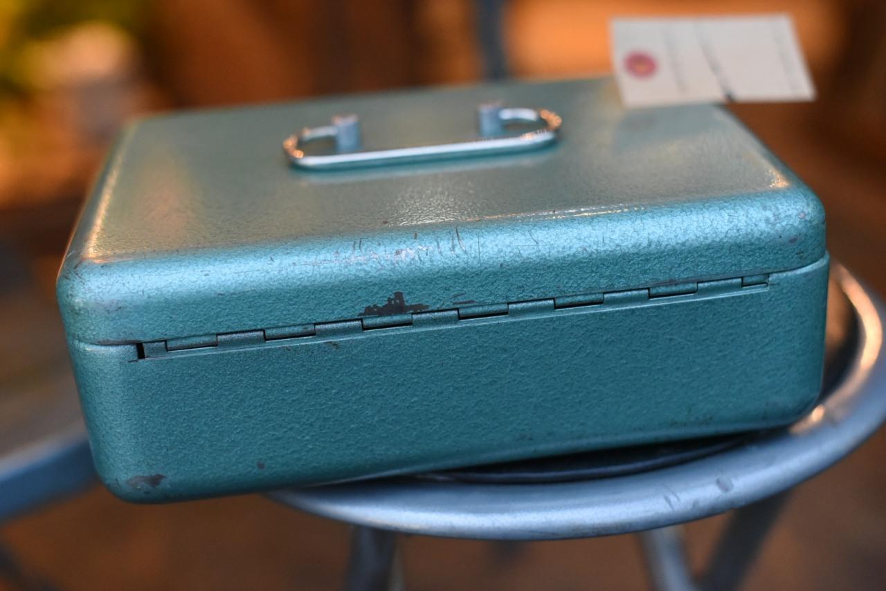 101783 ヴィンテージ オランダ製 アイアンボックス 金庫