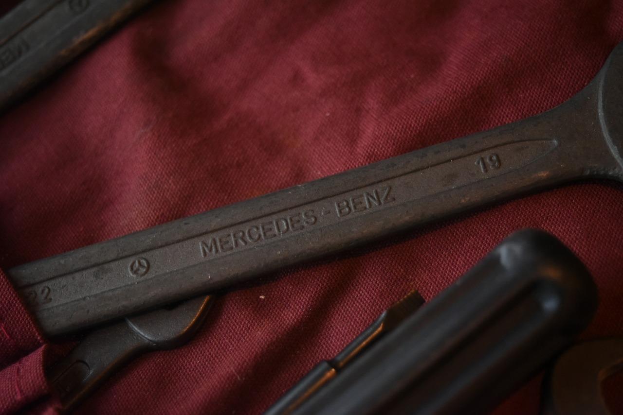 102759 UK ヴィンテージ メルセデス・ベンツ MERCEDES BENZ ツールセット