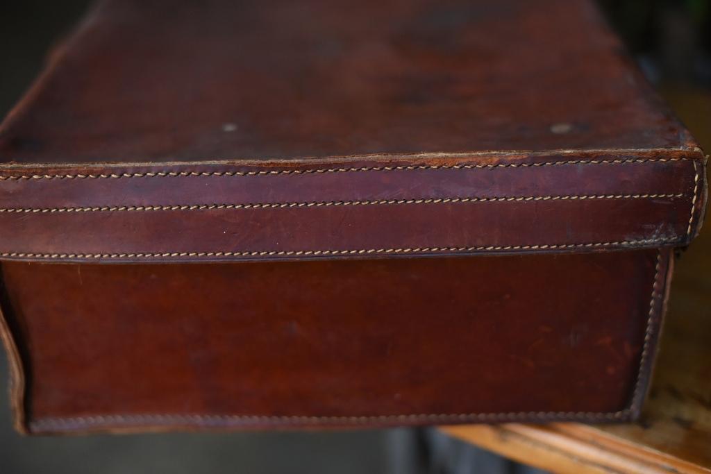 103660 ヴィンテージ レザー トランクケース 皮革製  英国製