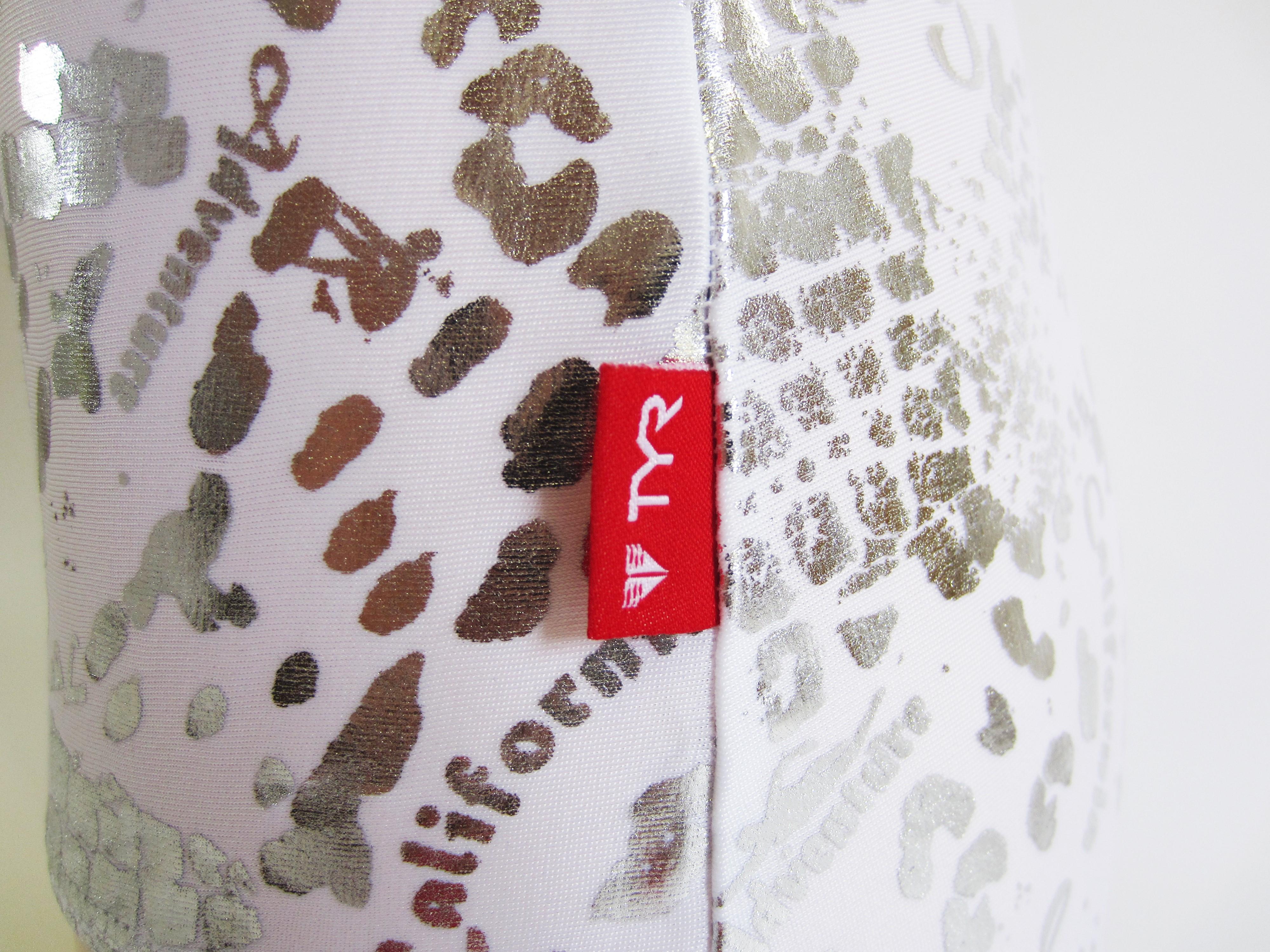 別注 TYR(ティア) ホワイト × シルバー クロコダイル柄 スクール水着(スク水) 「スイムショプイノウエ限定」