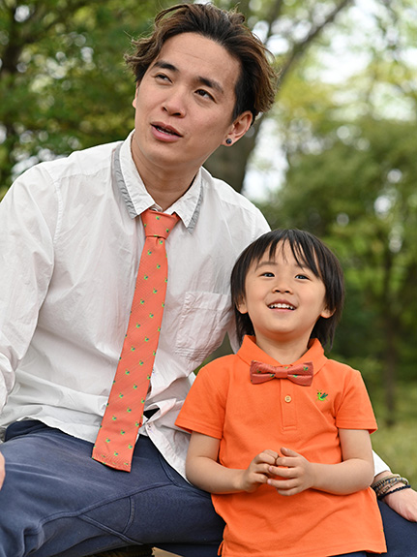 カマキリ大集合ネクタイ オレンジ