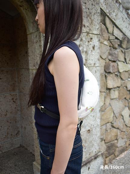 【予約商品】Encyclopedie エコレザーボディーバッグ blanc【10月中旬発送予定】
