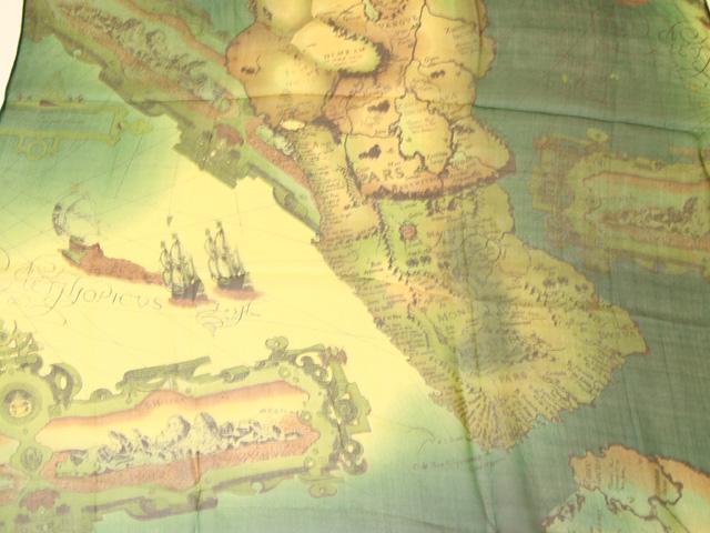 スカーフ シルク100% 大判 ストール マフラー シフォン 大航海風 B アンティーク 地図柄 古地図 グリーン 緑 green 海 船 黄緑 絹 天然素材 敏感肌 紫外線防止 UV 防寒 コンパクト パーティー ドレス Bサイズ:195×65cm