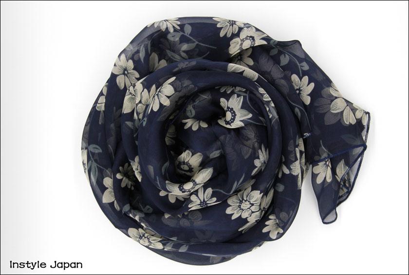 スカーフ シルク100%百花繚乱 大判 ストール 和モダン   ネイビー アクセント花 絹 天然素材  紫外線防止 防寒 ドレス ショール おしゃれな普段使い 大人シック 着物 Bサイズ:195×65cm