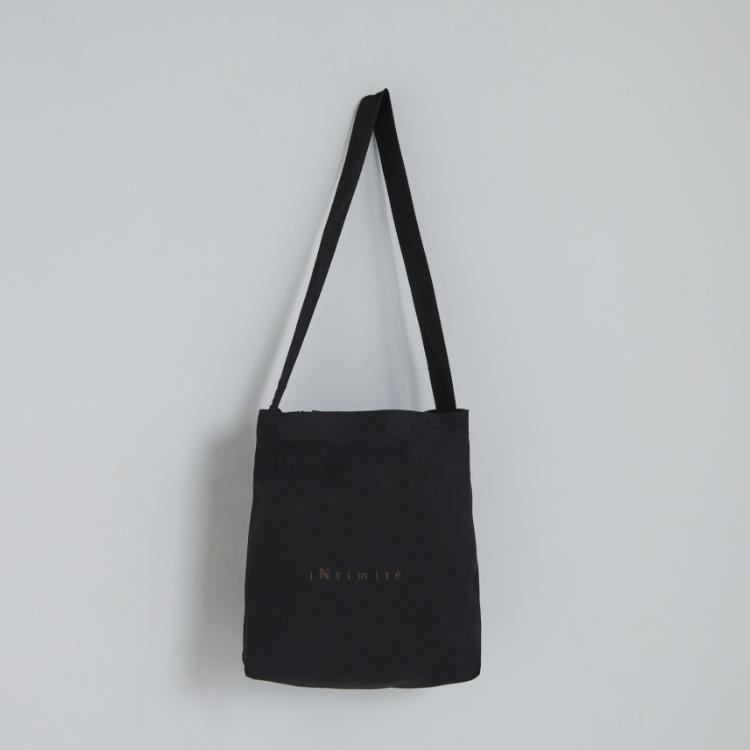 iNtimite Shoulder Tote bag