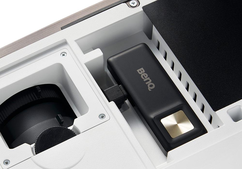 BenQ - HT3550i(アンドロイドTV搭載4K・DLPプロジェクター)《JP》【在庫有り即納】