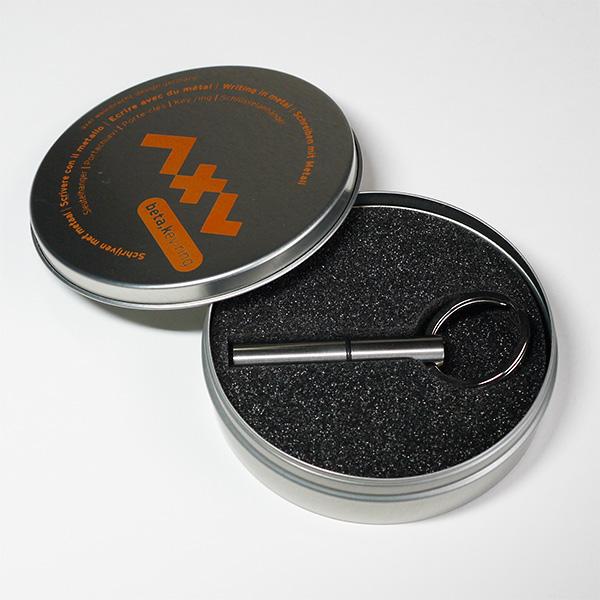 アクセル ヴァインブレヒト キーリング付きペン ベータキーリング