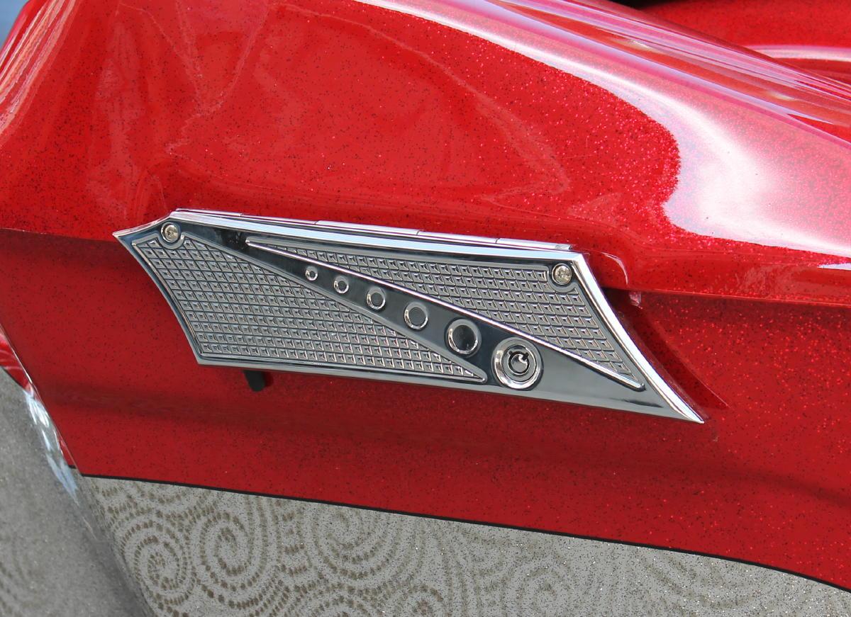 JH Chrome-EOスタイルサドルバッグ ラッチカバー   (1993-2013y)   クロムダイヤモンドカットサドル バッグ ラッチカバーセット