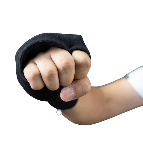 拳サポーター