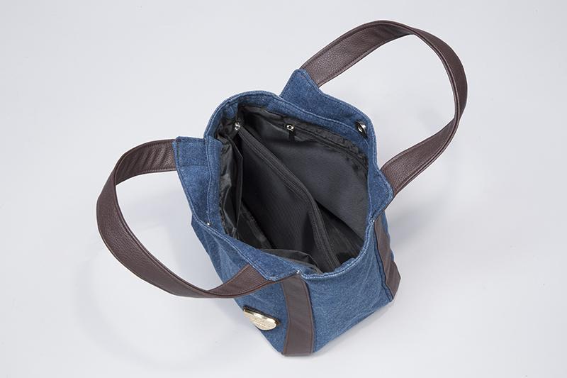 仕分けが便利なデニム手提げバッグ
