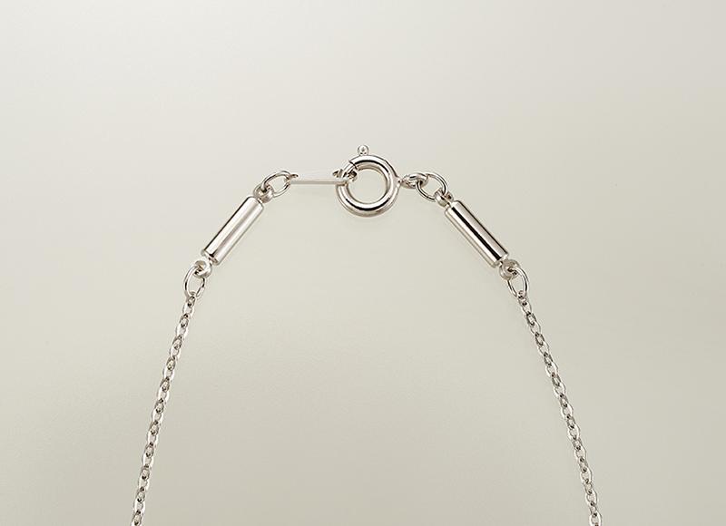 煌く「スリーストーン磁気ネックレス」両吊タイプ