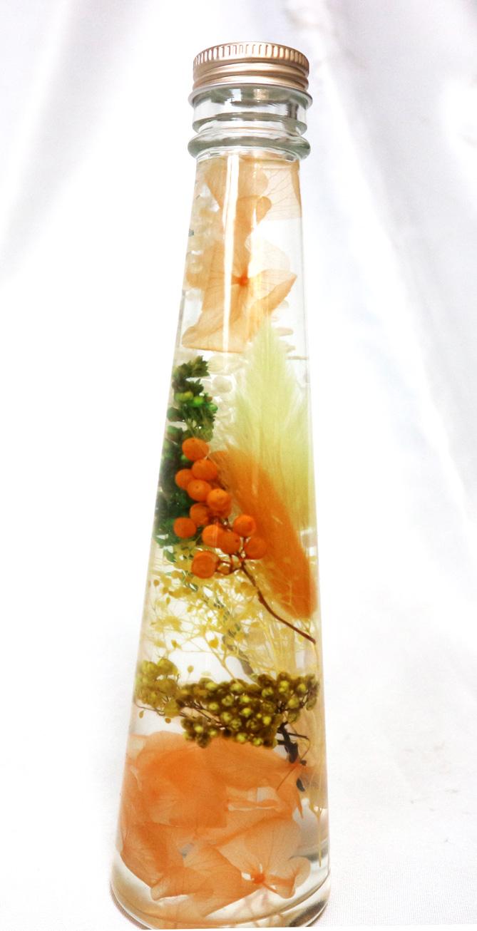ハーバリウム 淡いオレンジアレンジ・LサイズNO.3/淡いオレンジで社交運UP!!(H22cm×底面直径6cm/重さ約450g)1本【大人気の退色せず、さかさまにしても中が崩れない本物ハーバリウムbyイーグルサム】1本から送料無料キャンペーン中!(^^)!