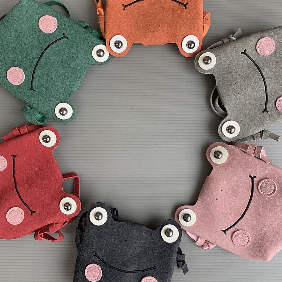【即納商品】 カエルポシェット