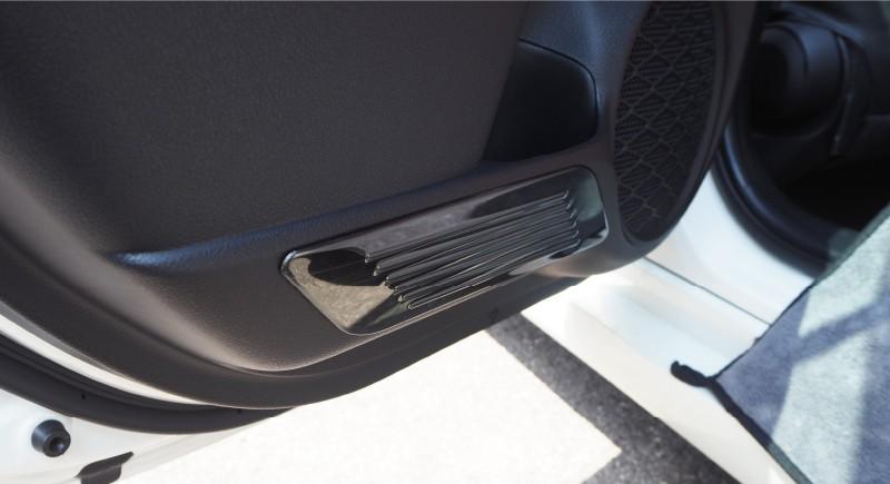 プリウス ドアキックガード 4P|トヨタ TOYOTA PRIUS 50系 選べる2カラー ブラックヘアライン/艶有りブラックヘアライン 新型プリウスPHV ZVW52対応 カスタム 専用 パーツ