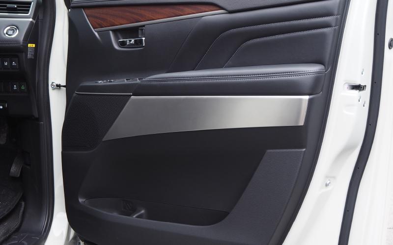 デリカ フロントドア インテリアパネル 2P|三菱 MITSUBISHI 新型 D5 D:5 DELICA 内側選べる3カラー 鏡面仕上げ サテンシルバー ブラックヘアライン ミツビシ カスタム 専用 パーツ ドレスアップ アクセサリー オプション エアロ