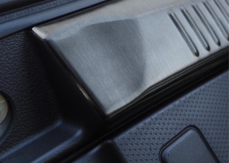 クロスビー ラゲッジスカッフ 2P スズキ SUZUKI XBEE MN71S ブラックステン カスタムパーツ ドレスアップ アクセサリー アフターパーツ エアロ