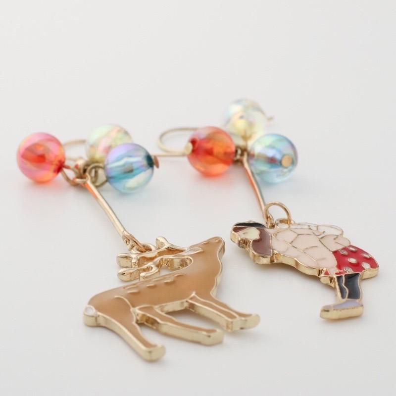 鹿と女の子のピアス