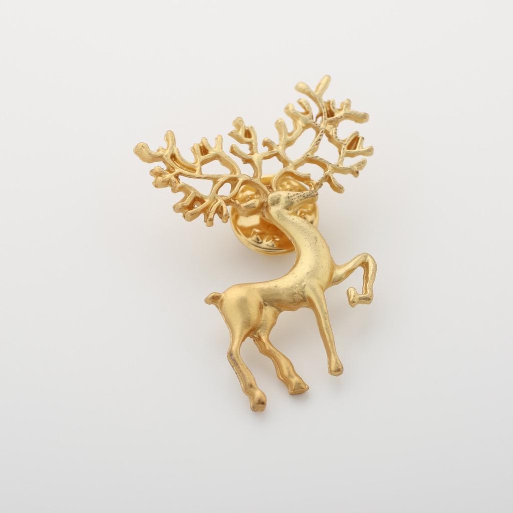 美しくなる鹿ピンブローチ