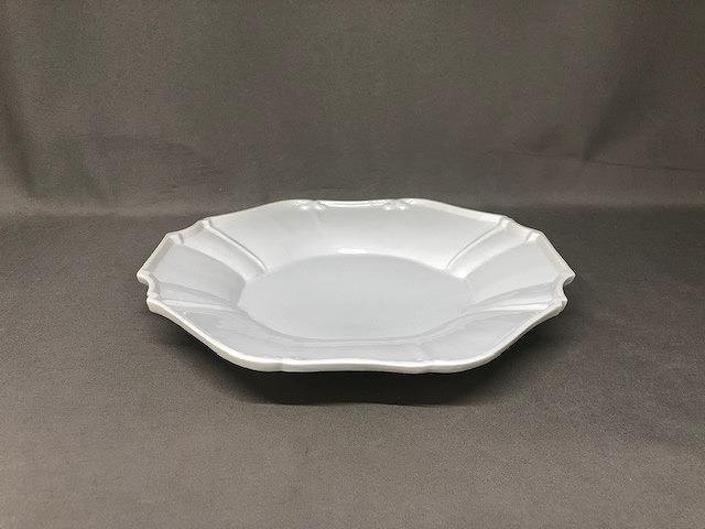 輪花レリーフ7寸深皿 薄白釉