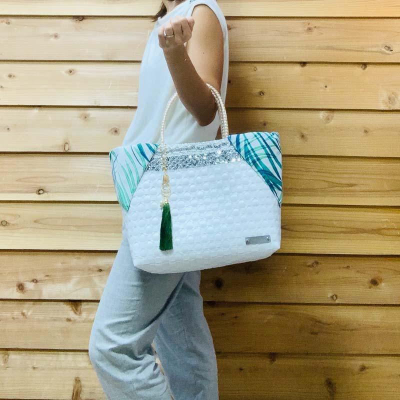 KIERA L (キエラL) 4カラー【A4サイズ対応、肩掛けタイプ】