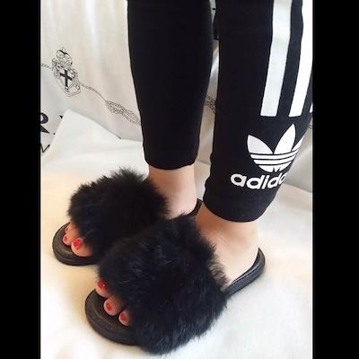 ファー サンダル 子供 キッズ 女の子 海外でも大人気アイテム スカート ワンピース ジーンス レギンスなどにもオススメです!!靴 ブーツ スニーカー