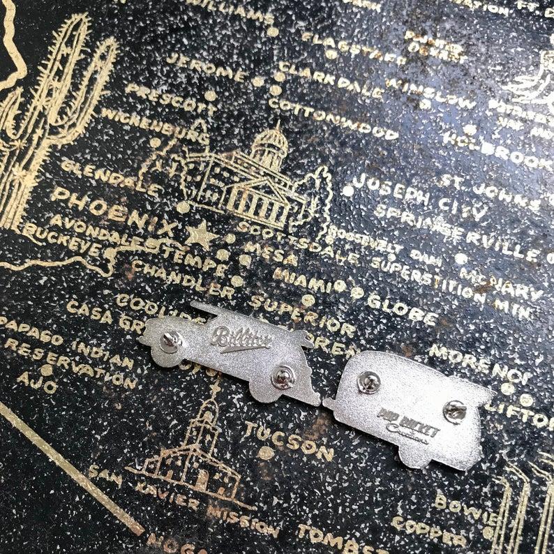 ピンバッチ アメリカン雑貨 ポップロケット 入手困難 アメ車 サーファー サーフィン ヴィンテージ ハワイアロハシャツ世田谷 カフェ JSC88