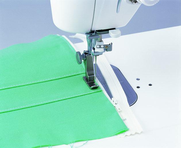 右端縫い自由押え 職業用ミシン