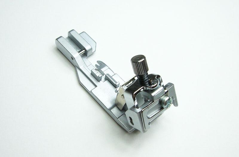 ゴムテープ付け押え ロックミシン MO-114D