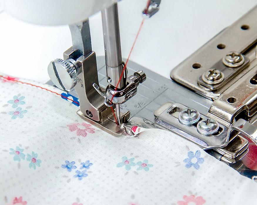 ◆メーカーお取り寄せ◆ 【送料無料】2.5mm幅・三ツ折りヘマー(押え金無しモデル) 職業用ミシン用
