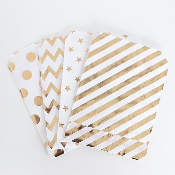 【メール便 送料無料】ペーパーバック キラキラ  紙袋 ゴールド  シルバー  紙 ドット柄 ストライプ 波線 星柄 4種類(各6枚)セット
