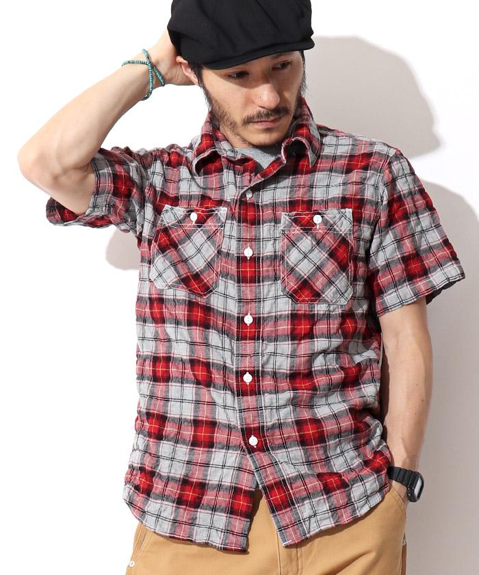 レッドチェックシャツ