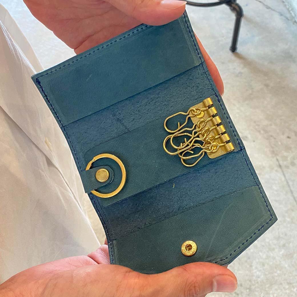 keyt[ケイティ] イタリアンレザー製 4連キーケース ※ブラックのみ瀬戸内レザー使用