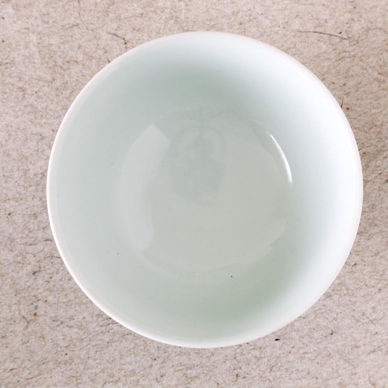 大日窯・呉須ダミ飯碗