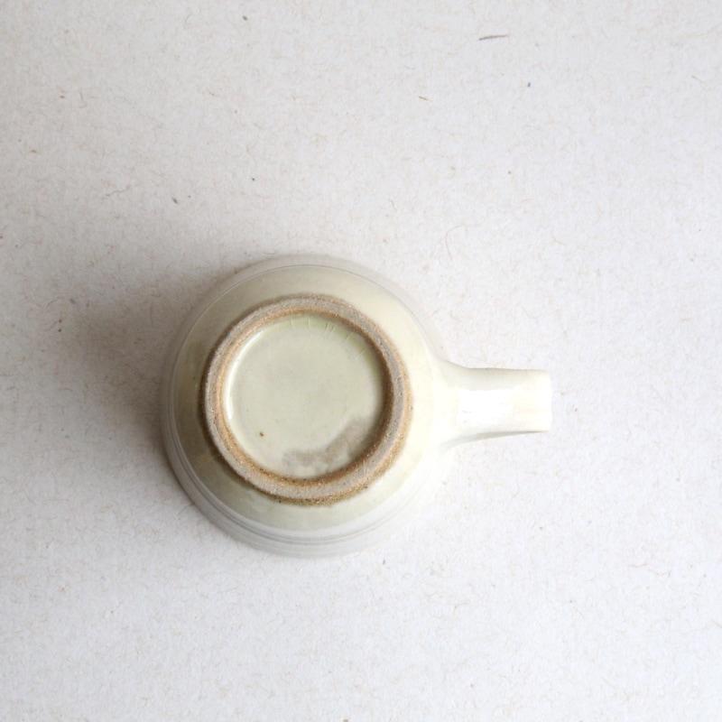 出西窯・手付きカップ(白)