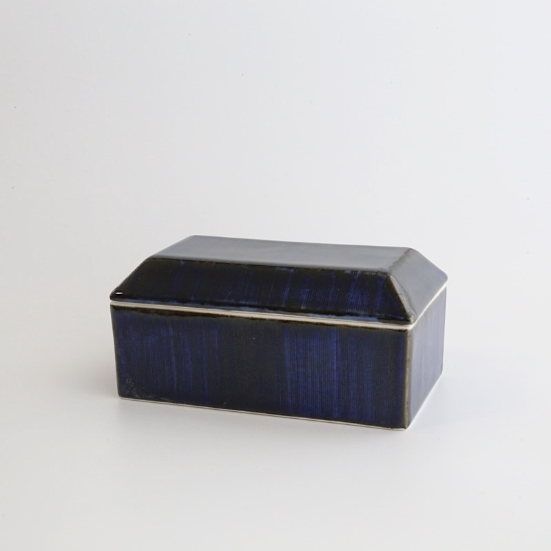 砥部焼・梅山窯 バターケース(呉須)