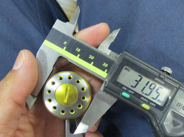 2穴金銀 エルゴ32 アブ/ダイワ/シマノ(M7の場合:アダプタ必要)向け パワーハンドル [ナット別売]