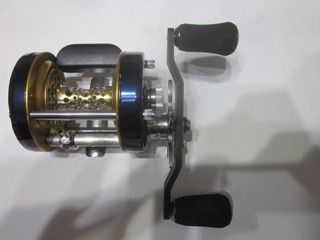 カーボンエバ座繰有3mm厚 アブ/ダイワ/シマノ M7の場合:アダプタ&加工必要向け カスタムパワーハンドル ナット別売