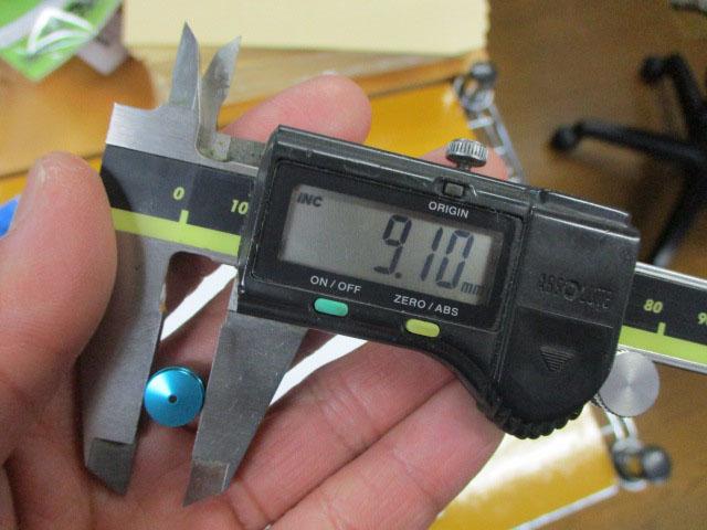 AMO製 汎用ノブキャップ9.1mm 水色1個 シマノ アブ 雷魚 カゴ ジギング リール