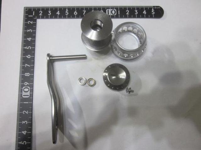 2穴 銀エルゴ アブ ダイワ シマノ M7の場合:アダプタ必要 パワー ハンドル ナット別売