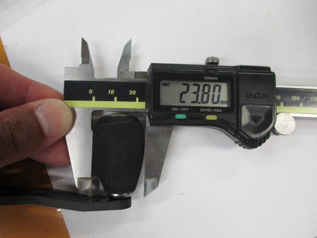 カーボンエバ座繰無4mm厚 アブ/ダイワ/シマノ M7の場合:アダプタ必要向け カスタムパワーハンドル ナット別売