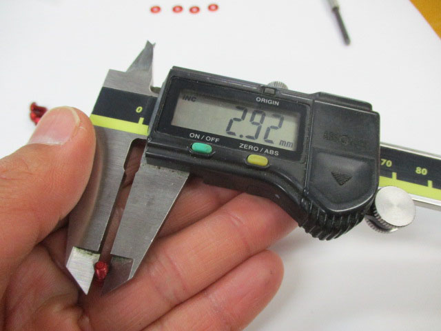 ビス 金4本 M3.0-5mm-P0.50リテーナー用 アルミ アルマイトカラー品 アブ