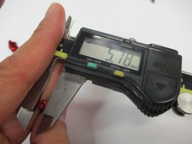 ビス 赤2本 M3.0-5mm-P0.50リテーナー用 アルミ アルマイトカラー品 アブ