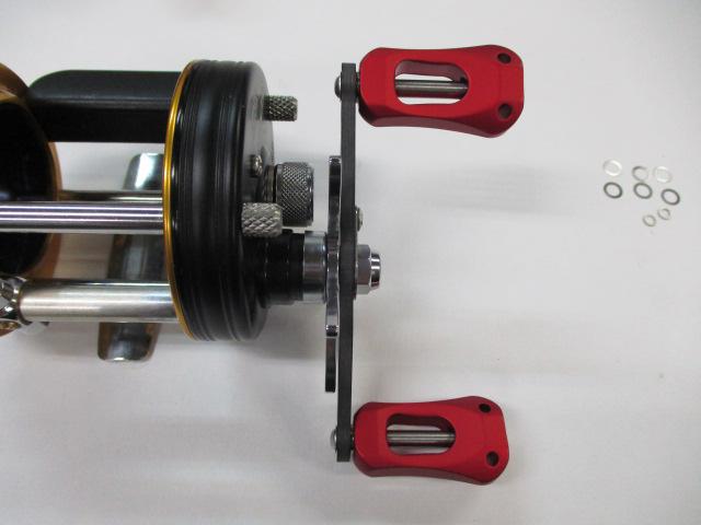 カーボンストレートショート赤80mm アブ/ダイワ/シマノ(M7の場合:アダプタ必要)向け カスタムパワーハンドル [ナット別売]