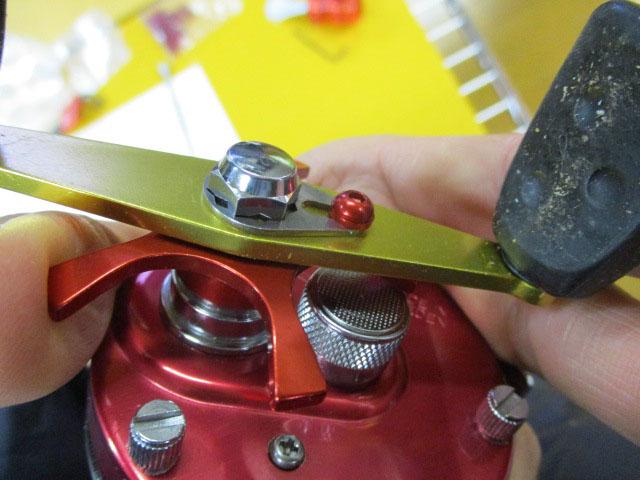 M3.0-5mm赤ビス2本,1mm厚シム赤2枚セットリテーナー用 アルミ アルマイトカラー品 アブ