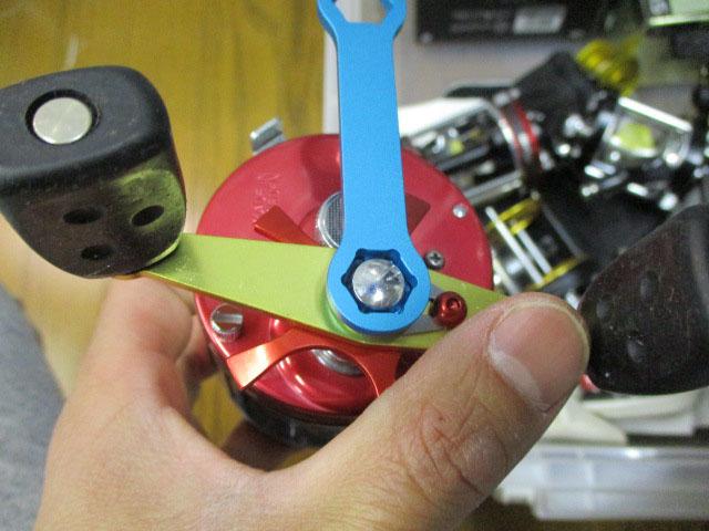 (青ブルー) AMO製 ナットレンチ アブ/ダイワ/シマノ 雷魚 カゴ ジギング リール カスタム 6500